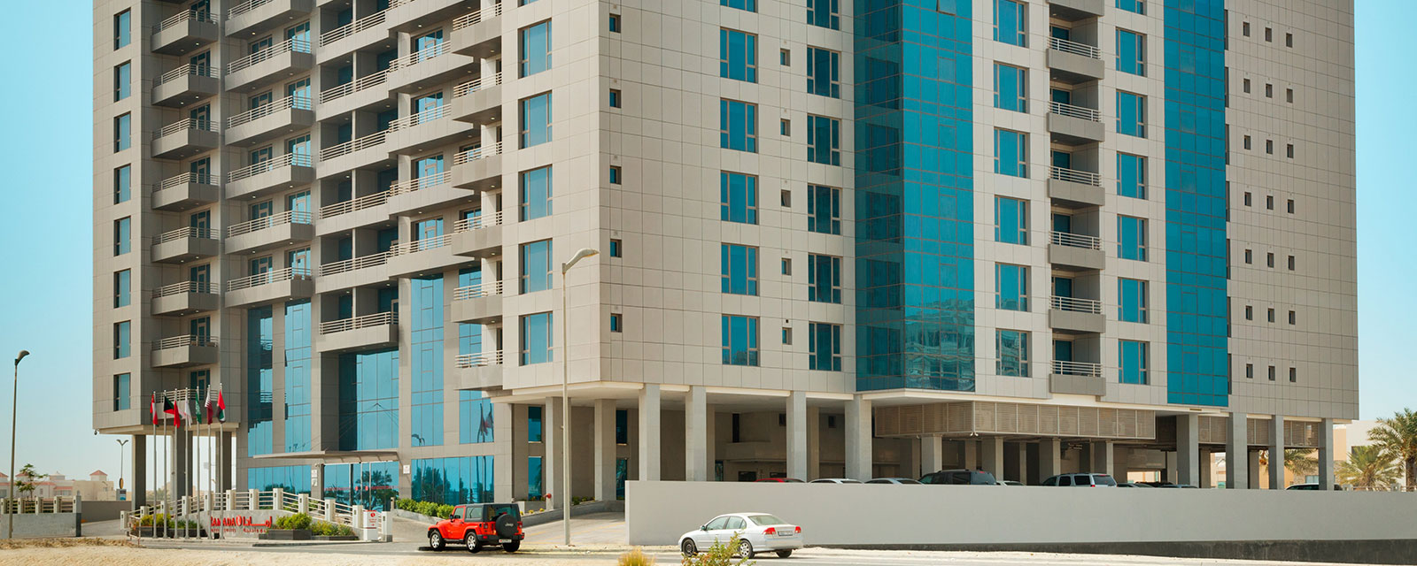 ramada-hotel-suites-amwaj-island-home1-top