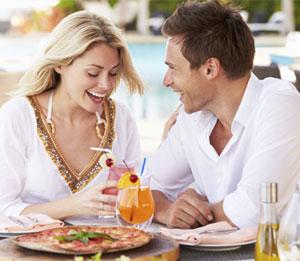 عدة اختيارات لتناول الطعام في فندق البحرين